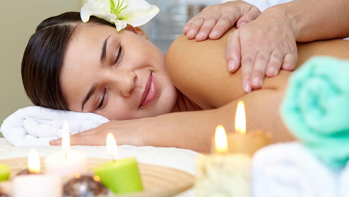 Massagem Relaxante com Aromaterapia